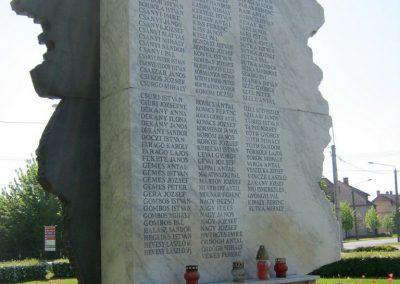Balástya II. világháborús emlékmű - felújítás után 2014.04.21. küldő-Emese