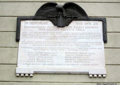 Balassagyarmat Civitas Fortissima emléktábla 2012.07.11. küldő-kalyhas (2)