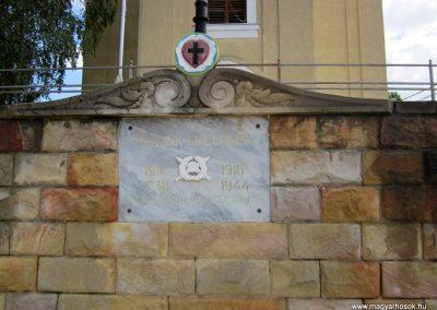 Balassagyarmat evangélikus templom világháborús emléktábla 2012.07.11. küldő-kalyhas (2)