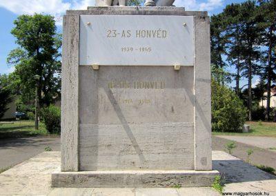 Balassagyarmat honvéd hősi emlékmű 2012.07.11. küldő-kalyhas (3)