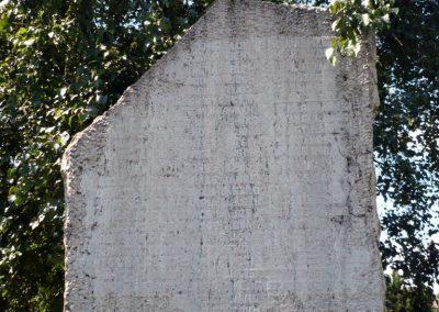 Balatonőszöd világháborús emlékmű 2010.08.29 küldő-Sümec (1)