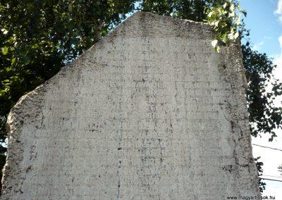 Balatonőszöd világháborús emlékmű 2010.08.29 küldő-Sümec (3)