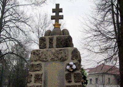 Balaton világháborús emlékmű 2016.01.29. küldő-kalyhas (2)