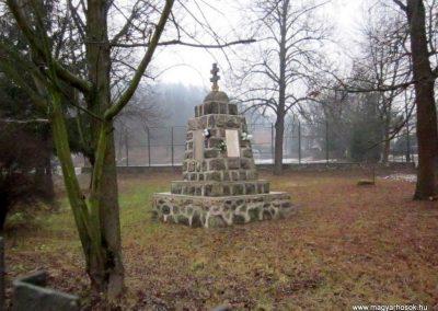 Balaton világháborús emlékmű 2016.01.29. küldő-kalyhas (5)