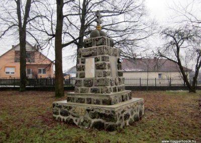 Balaton világháborús emlékmű 2016.01.29. küldő-kalyhas (8)