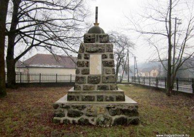 Balaton világháborús emlékmű 2016.01.29. küldő-kalyhas (9)