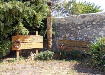 Balatonakali, I. és II. világháborús emlékmű