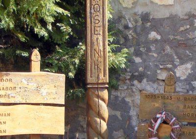Balatonakali világháborús emlékmű 2012.08.27. küldő-Méri (3)