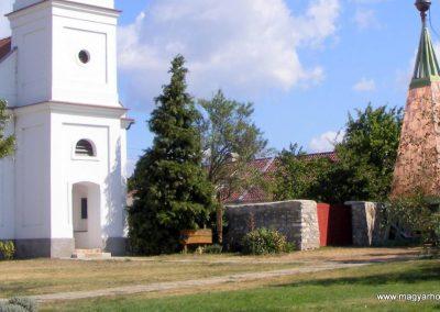 Balatonakali világháborús emlékmű 2012.08.27. küldő-Méri (5)