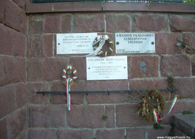 Balatonalmádi Hősi emlékmű 2009.03.03.küldő-Magyar Benigna (6)