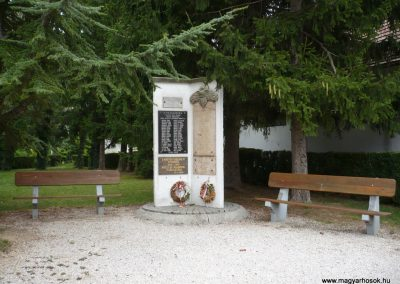 Balatonberény Hősi emlékmű 2009.09.17. küldő-Sümec
