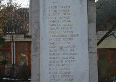 Balatonboglár világháborús emlékmű 2010.01.20. küldő-Sümec (3)