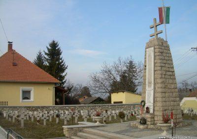 Balatonederics világháborús emlékmű 2009.03.03.küldő-Magyar Benigna (2)