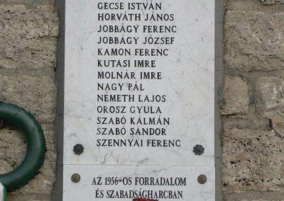 Balatonederics világháborús emlékmű 2009.03.03.küldő-Magyar Benigna (5)