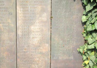 Balatonendréd világháborús emlékmű 2013.08.23. küldő-kalyhas (5)