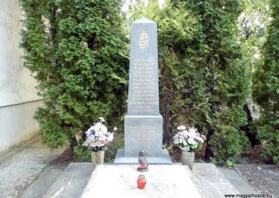 Balatonföldvár II.világháborús emlékmű 2015.06.21. küldő-Méri (1)