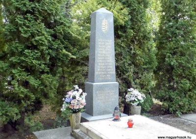 Balatonföldvár II.világháborús emlékmű 2015.06.21. küldő-Méri