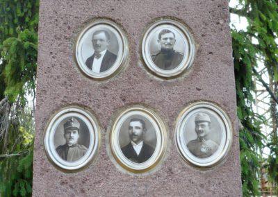 Balatonfüred- Balatonarács világháborús emlékmű 2010.05.29. küldő-Sümec (5)