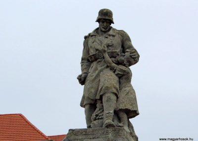 Balatonfőkajár I. világháborús emlékmű 2015.06.19. küldő-Méri (1)