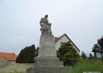 Balatonfőkajár I. világháborús emlékmű 2015.06.19. küldő-Méri (6)