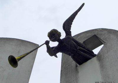 Balatonfőkajár II. világháborús emlékmű 2015.06.19. küldő-Méri (1)