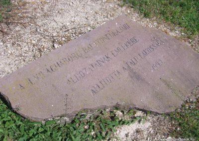 Balatonfőkajár II.vh emlékmű 2009.05.02.küldő-Gyöngyös (2)