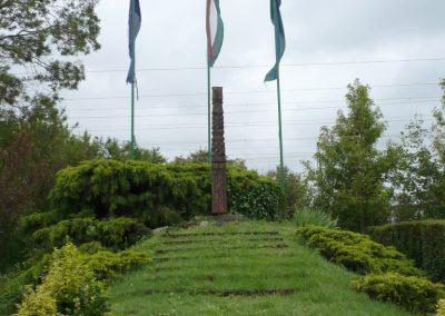 Balatonfenyves hősi emlék kopjafa 2010.06.02. küldő-Sümec