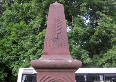 Balatonhenye világháborús emlékmű 2013.06.25. küldő-kalyhas (2)