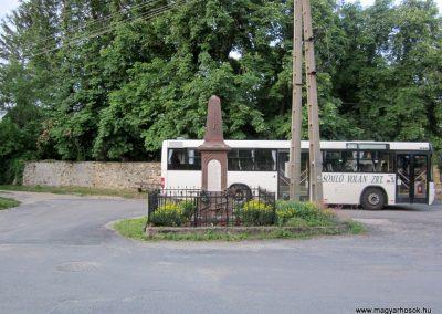 Balatonhenye világháborús emlékmű 2013.06.25. küldő-kalyhas