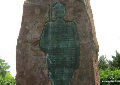 Balatonkenese református temető II. világháborús emlékmű 2010.07.13. küldő-Emese (1)