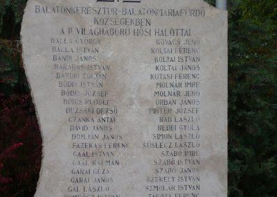 Balatonkeresztúr-Balatonmáriafürdő világháborús emlékmű 2009.09.17. küldő-Sümec (3)