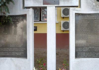Balatonmagyaród világháborús emlékmű 2012.04.11. küldő-Sümec (4)