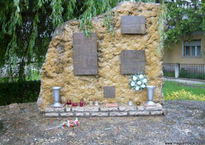 Balatonszőlős II.vh emlékmű 2010.05.15. küldő-Sümec (8)
