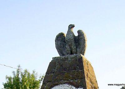 Balatonszabadi-Siómaros világháborús emlékmű 2011.08.24. küldő-Bagoly András (2)