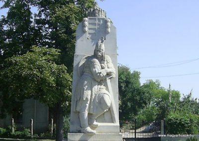 Balatonszabadi világháborús emlékmű 2011.08.24. küldő-Bagoly András (1)
