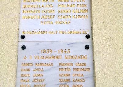Balatonudvari világháborús emléktáblák 2012.11.06. küldő-Csiszár Lehel (1)