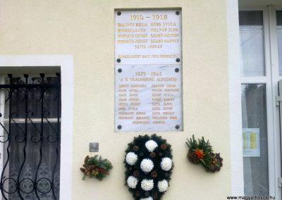 Balatonudvari világháborús emléktáblák 2012.11.06. küldő-Csiszár Lehel