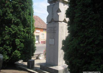 Balkány II.vh emlékmű 2009.07.02.küldő-kalyhas (5)