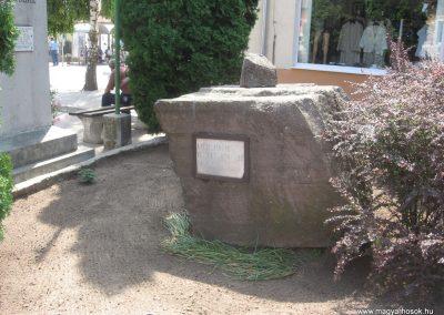 Balkány II.vh emlékmű 2009.07.02.küldő-kalyhas (7)