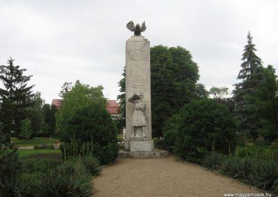 Balmazújváros I.vh emlékmű 2008.06.06. küldő-kalyhas