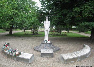 Balmazújváros II.vh emlékmű 2008.06.06. küldő-Kályhás
