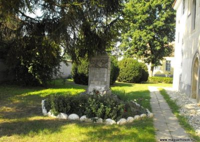 Balogunyom világháborús emlékmű 2009.09.02.küldő-Gyurkusz