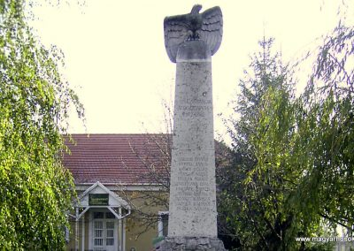 Bana I.vh.emlékmű 2003.01.01. küldő-Boncz Tamás (2)