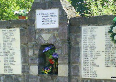 Barabás II.vh emlékmű 2008.08.19. küldő-Ősz Béláné (2)