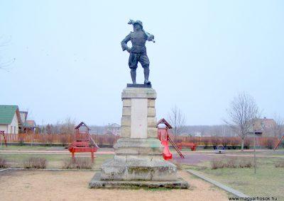 Baracska I. világháborús emlékmű 2013.02.03. küldő-Horváth Zsolt