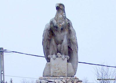 Baracska II. világháborús emlékmű 2013.02.03. küldő-Horváth Zsolt (1)