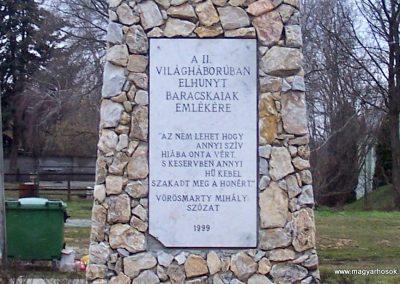 Baracska II. világháborús emlékmű 2013.02.03. küldő-Horváth Zsolt (2)