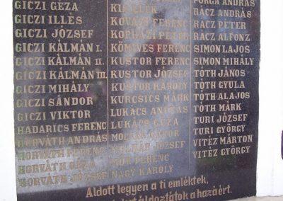 Barbacs világháborús emléktáblák 2008.08.10.küldő-Ancsa84 (1)