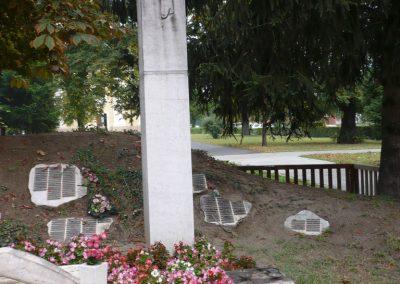Barcs világháborús emlékmű 2009.09.15. küldő-Sümec (4)
