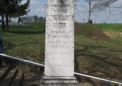 Baté Régi világháborús emlékmű 2009.04.04. küldő-kalyhas (2)